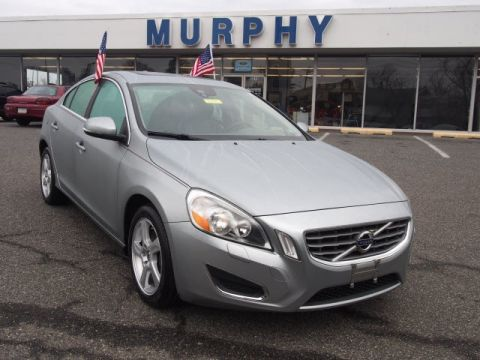 Pre-Owned 2013 Volvo S60  FWD 4D Sedan